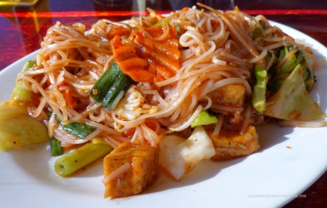 spicy pad thai noodles